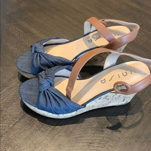 Chambray and cork wedge sandals by UNISA
